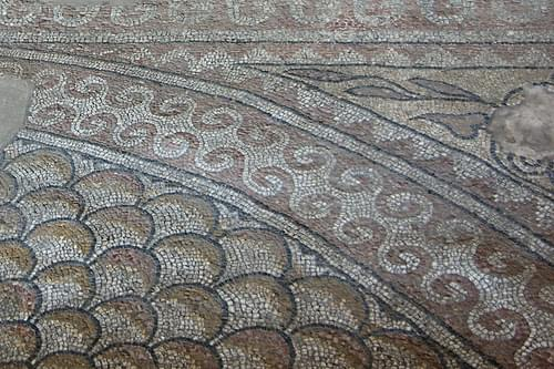 The Roman mosaic-floored edifice of Tomi