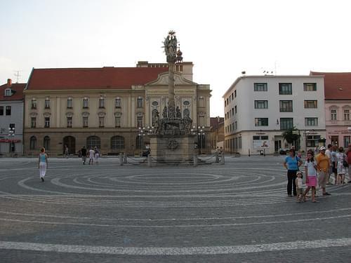 Trojičné námestie
