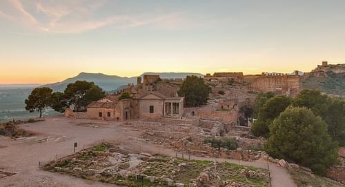 Castillo_de_Sagunto,_Valencia,_España,_2015-01-03,_DD_09-11_HDR