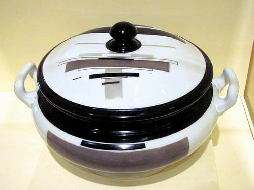 Chashnik--Covered Soup Tureen, 1923