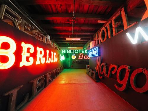 Neon Museum, Warsaw