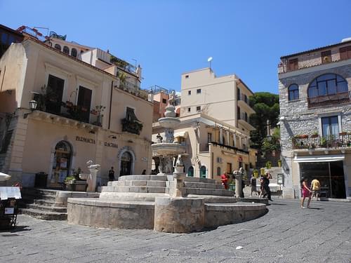 Piazza del Municipio, Taormina, Messina, Sicily [DSCN1496]