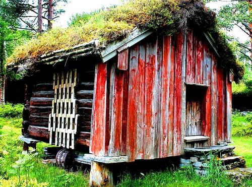 Norwegian Log cabin #viking #dailyshoot #Molde