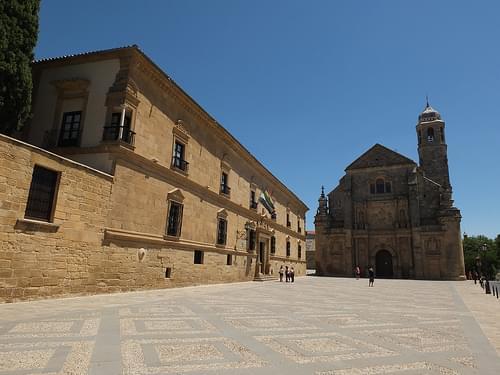 Plaza de Vázquez de Molina - Palacio del deán Ortega y Sacra capilla del Salvador