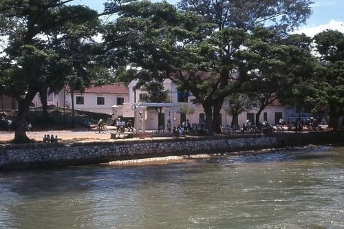 Bến Bạch Đằng - Đà Nẵng 1965 - Photo by Harold Davidson