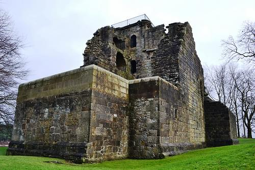 Crookston Castle (5)