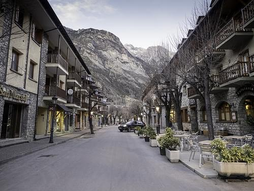 Town Center, Benasque