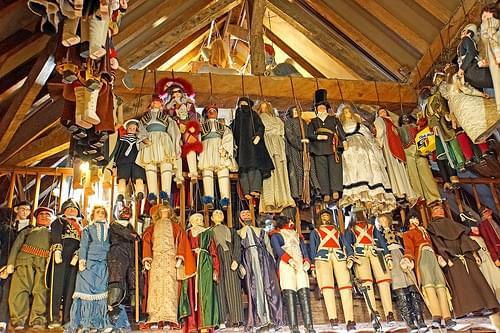 Belgium-6580 - Hundreds of Puppets
