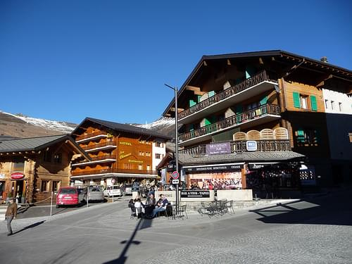 Village Center, Verbier