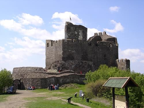 fortress , Hollókő