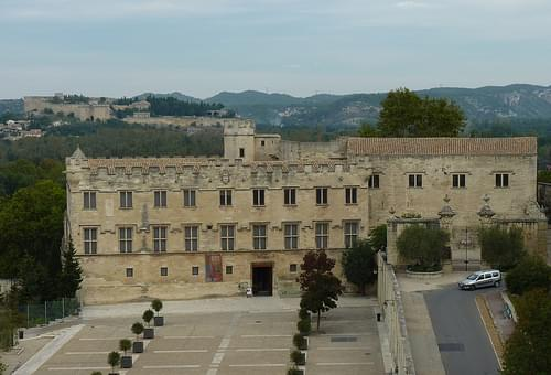 Avignon papal palace view to petit palais