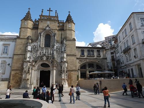 Monasterio de Santa Cruz - Fachada de la iglesia 3