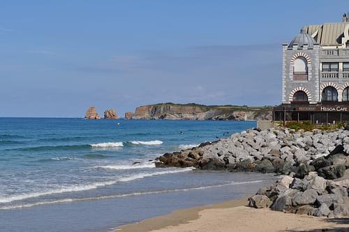 Baie et plage d'Hendaye, Pays basque, Pyrénées Atlantiques, Aquitaine, France.