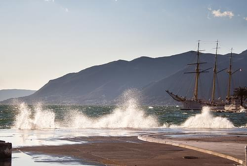 Waves in Tivat