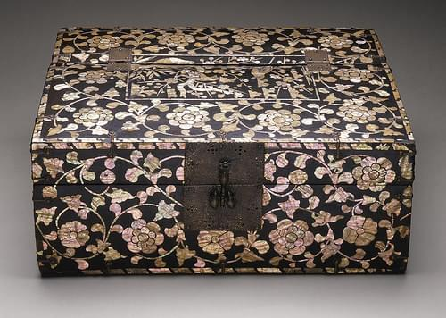 Box with Floral Scrolls and Cartouche Containing Birds and Blossoming Plum LACMA M.2000.15.148 (1 of 2)