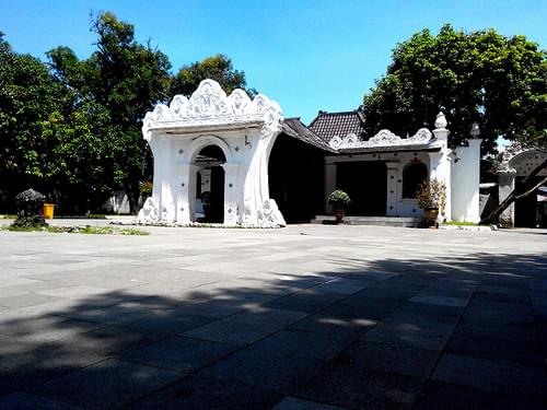 Keraton Kasepuhan Cirebon. #travel #holiday #museum #history #cirebon #lenovos920