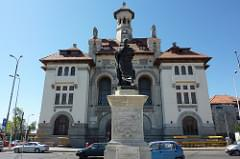 Statue of Ovid and National History Museum in Constantza
