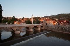 Brücke über die Miljacka