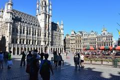 La Grand Place et ses touristes