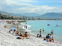 Asoleándose en la Riviera Francesa / Sunbathing at the French Riviera